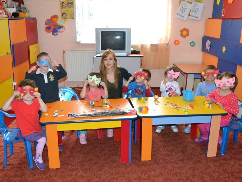 Copii de la Gradinita Rainbow Kids Bucuresti